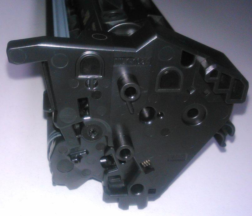 Картридж HP CF218A вид с лева